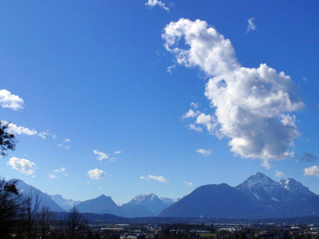 Himmel auf erden über Berchtesgarden Bayern Aussicht vom Mönchsberg in Salzburg Österreich